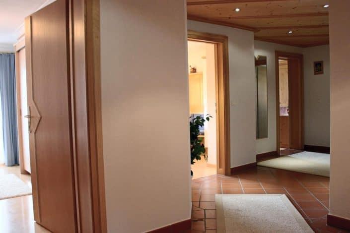 Ferienwohnung Sonja - Flur mit Eingang zur Küche